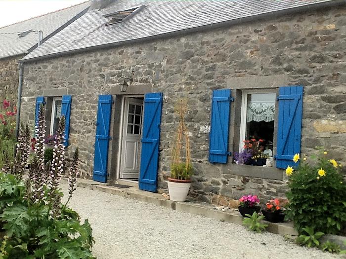 Location gte de vacances rosnoen pour 2 4 personnes - Maison traditionnelle bretonne ...